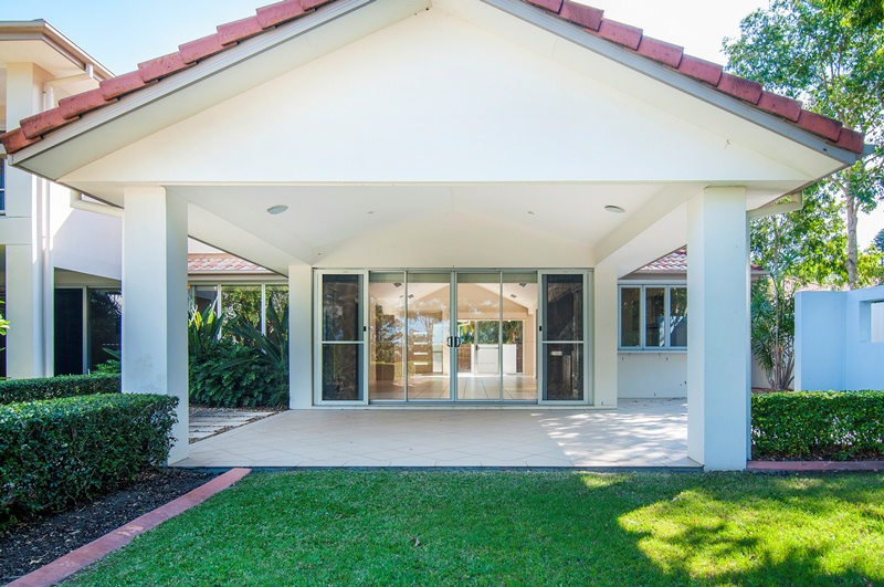013 – Open2view ID278030 – 8310 Magnolia Drive East